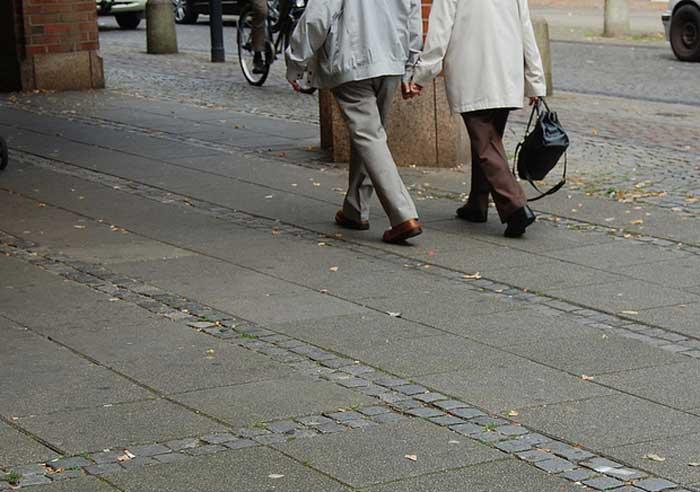Senioren, Hand in Hand