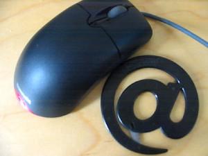 Computermaus und E-Mail Symbol