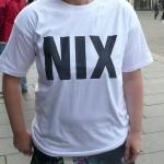 """Weißes T-Shirt mít Aufschrift """"nix"""""""