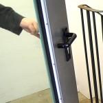 Enkeltrick Hand öffnet Tür