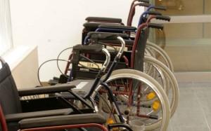 mehrere Rollstühle