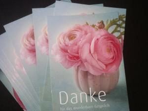 Postkarte mit Rosen und dem Schriftzug: Danke für das gute Gespräch