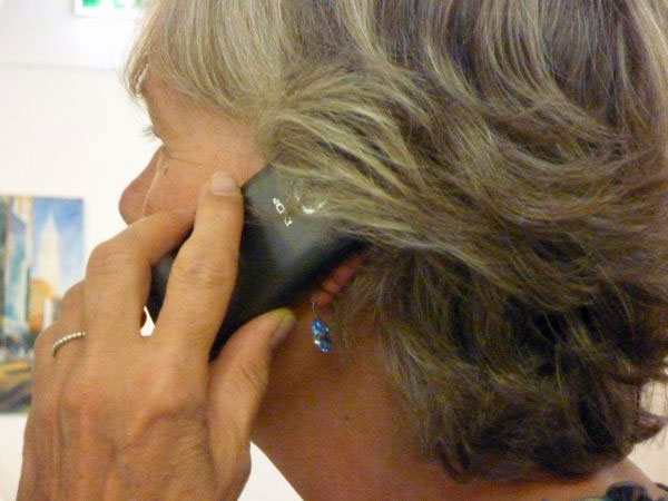 Telefonseelsorge Frau am Telefon