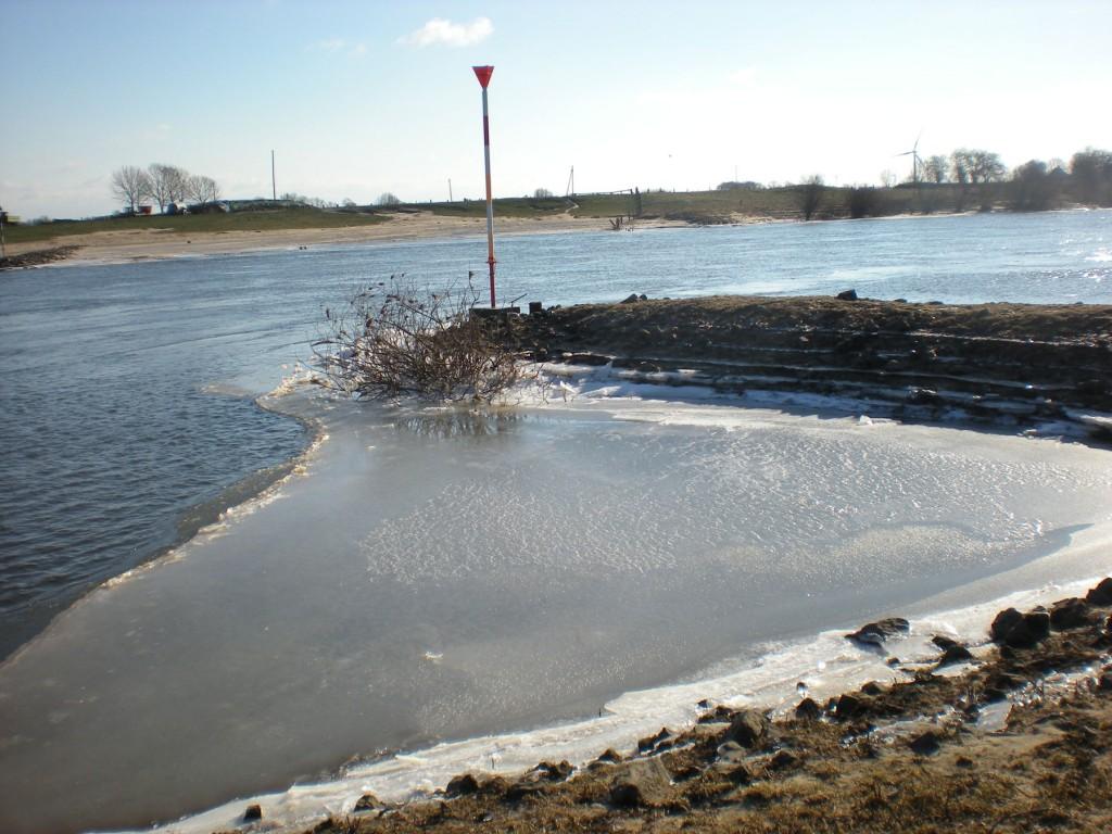 Eis auf der Weser