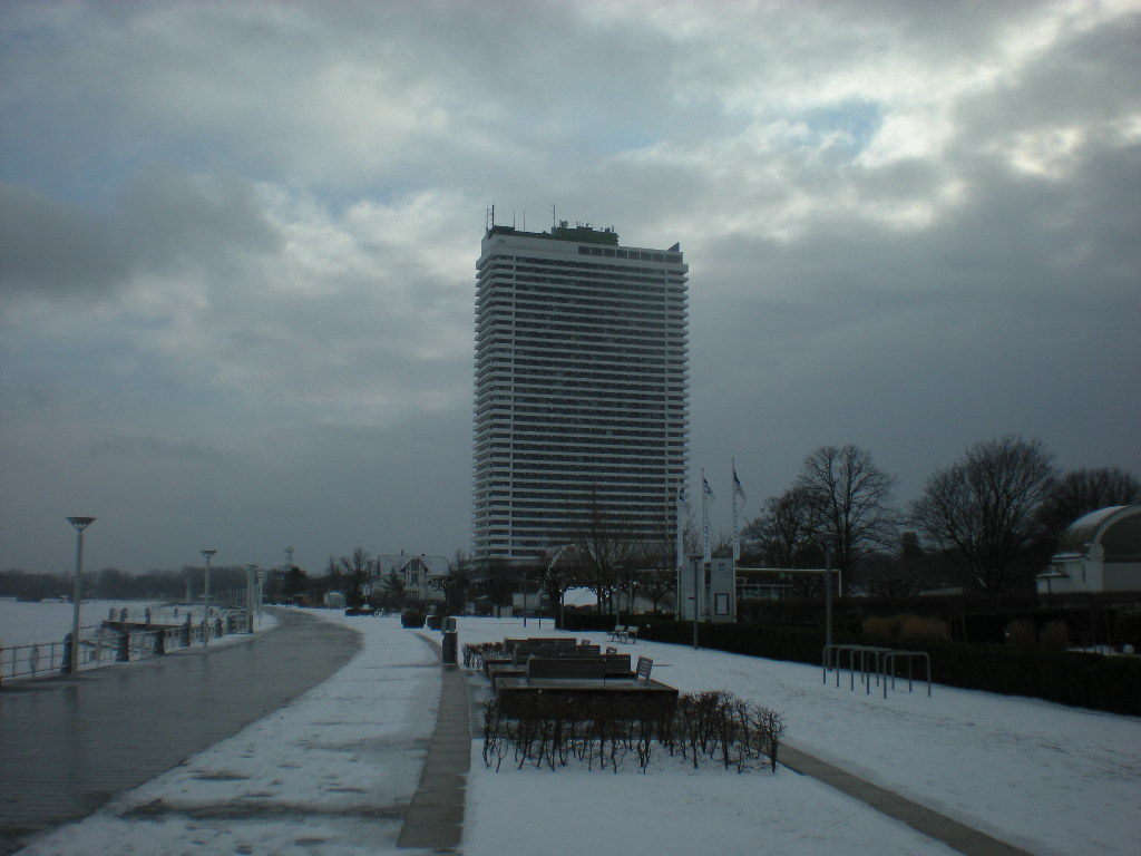 Hochhaus im Schnee