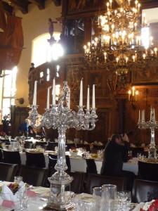 Silberner leuchter im Rathaussaal