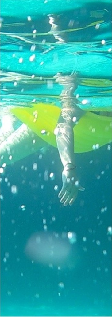 Hand und Bein unter Wasser