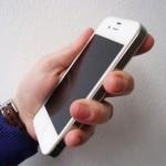 digitale Welt, Hand mit Smartphone