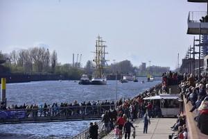 Zuschauer an der Weser