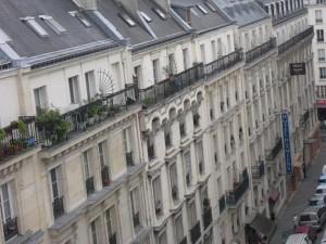 Typische Pariser Häuserzeile