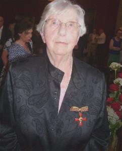 Frauenportrait mit Bundesverdienstkreuz