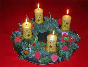 Vierter Advent Kranz mit vier Lichtern
