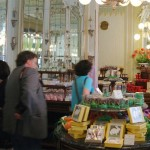 Menschen beim Einkauf