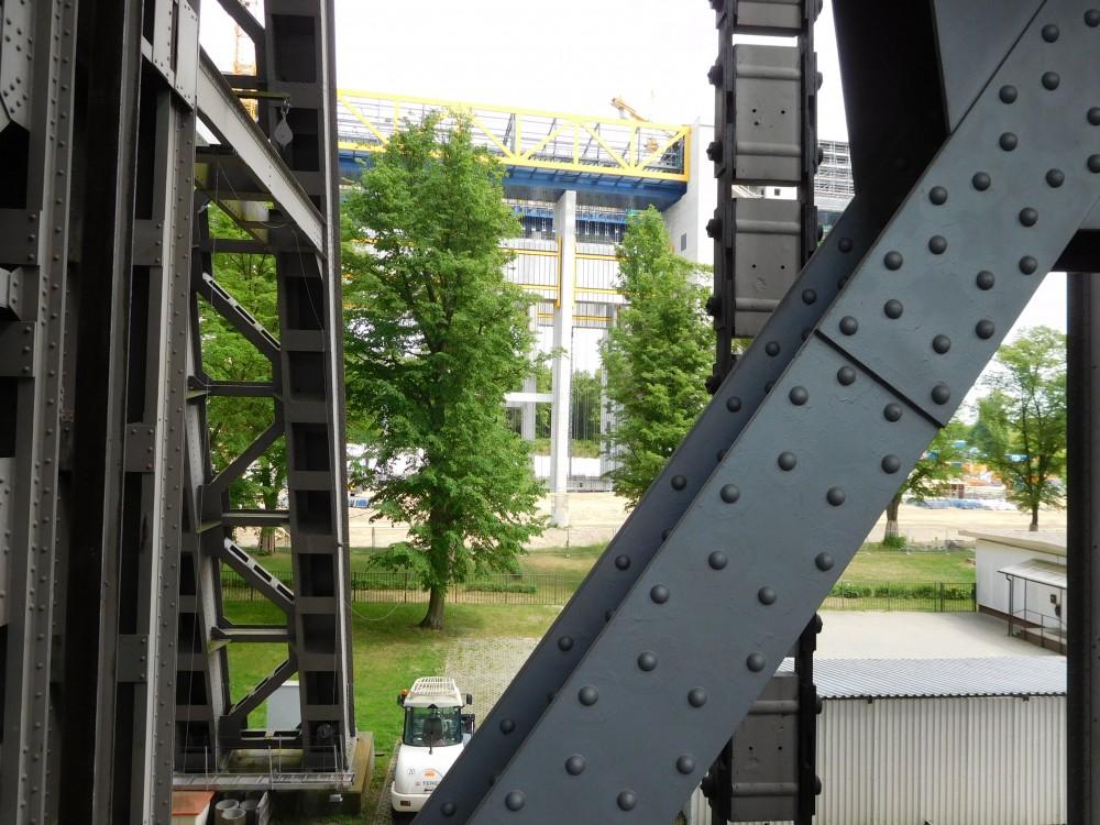 Niederfinow Stahlkonstruktion mit Durchblick auf den Neubau