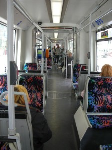 Innengang in einer Straßenbahn