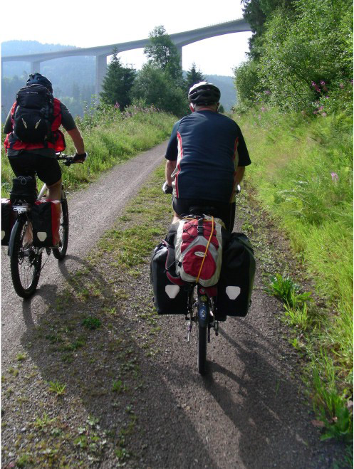 Elektrorad, Zwei Männer auf dem Fahrrad