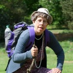 Werra-Weser-Wanderung, Frau in Wanderausrüstung