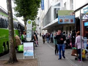 ZOB, Straßenbild mit Bussen
