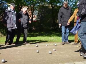 BouleBoysBorgfeld, Männer beim Boule-Spielen