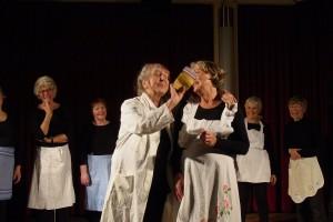 ALTERnative – Senioren-Thementage Sechs Frauen auf der Bühne