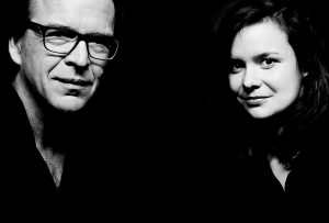 Das Duo Araucana schw/weiß-Portrait einer Frau und eines Mannes