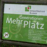 Schild Mehrgenerationenplatz