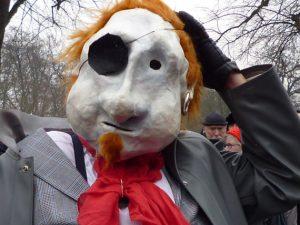 Karneval Maske mit Augenklappe