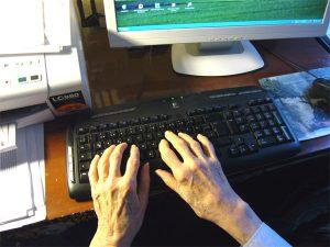 Tempo im Ruhestand, Hände auf der Tastatur