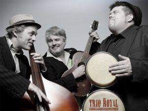 Drei Männer machen Musik