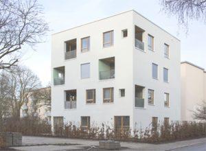 Mehrfamilienhaus in Kastenform