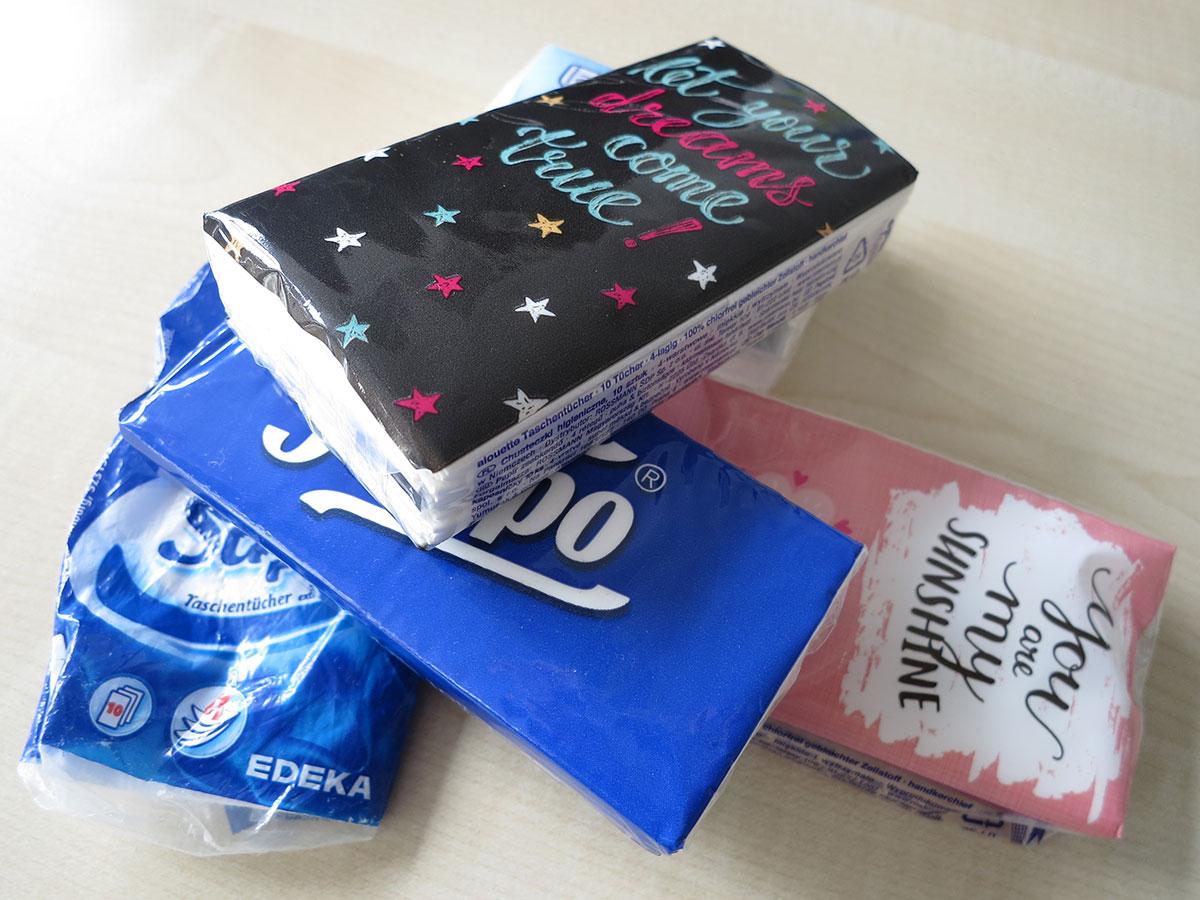 Tempo Tacshentücher, Verschiedene Papiertaschentucher-Packungen