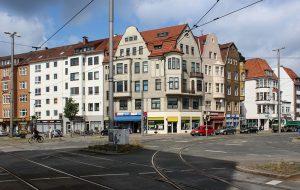Alte Neustadt, Straßenkreuzung mit Schienen
