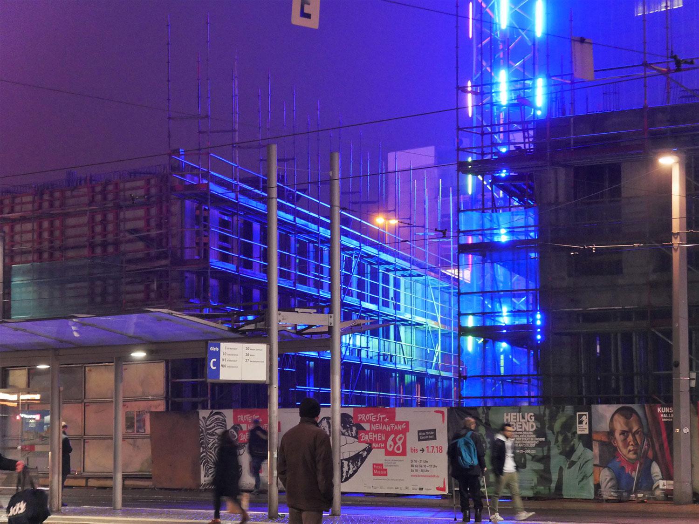 Baustellen, Baustelle in blauem Licht