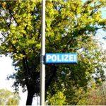 Polizei Hinweisschild