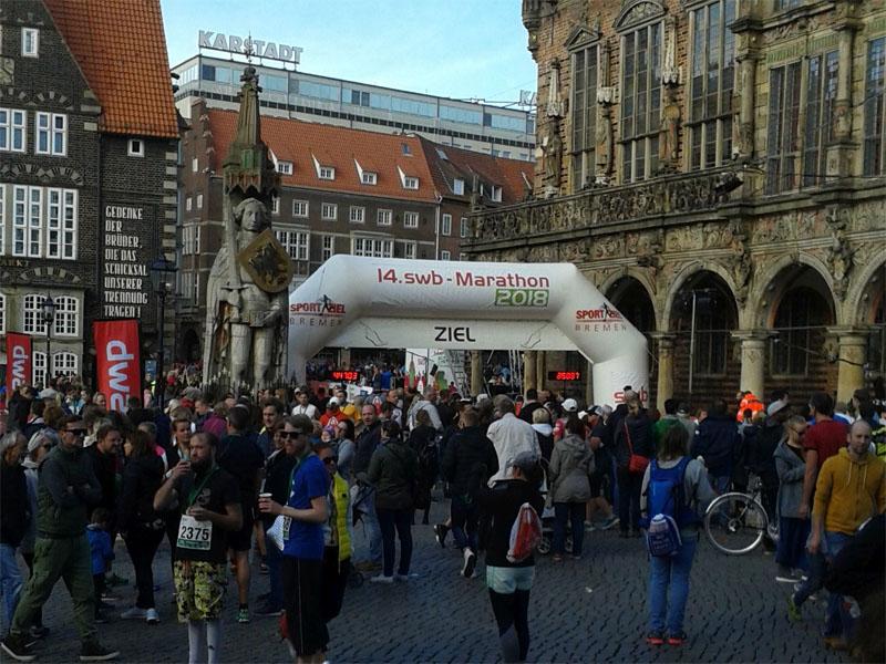 Läufer vor dem Bremer Rathaus