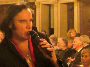 Sänger in der oberen Rathaushalle