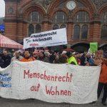 Demobanner vor dem Bremer Hauptbahnhof