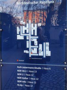 Hinweisschild NDR Hamburg